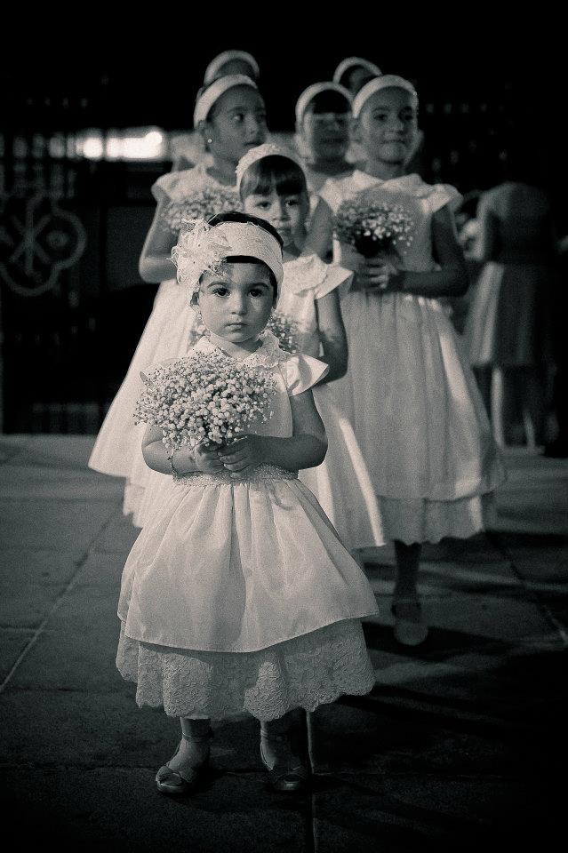 Essa daminha fofa da frente é a Luiza. Um amor! Foto: Samuel Gomes.
